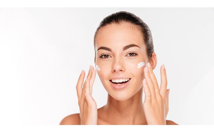 面部肌肤比较干,可以用什么保湿?