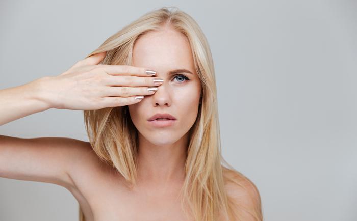 护肤应该先祛痘还是先收缩毛孔?