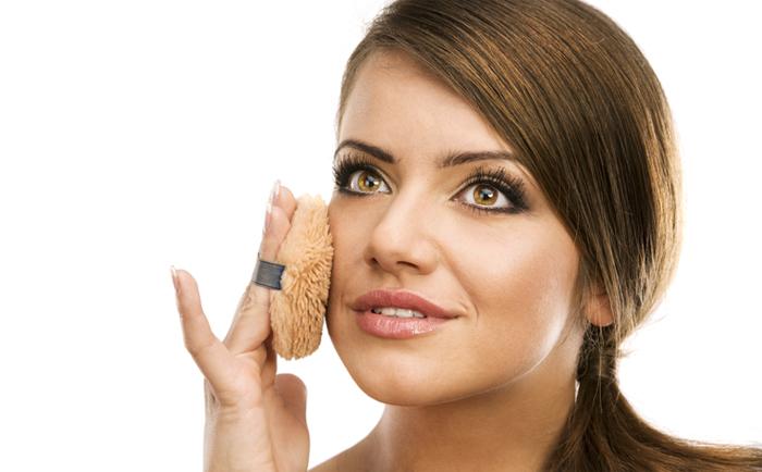 女孩子的脸每天需做哪些日常护理?