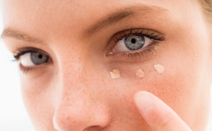 眼睛下面的脂肪粒要怎么消除?