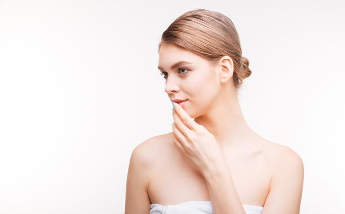 脸上黑头和下巴的闭口性粉刺怎么护肤最有效?