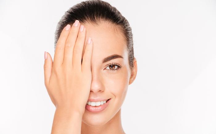 如何相似处过敏和敏感肌肤?