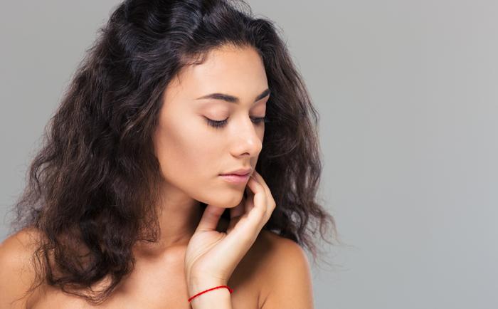 许多女性面临皮肤干燥小case 用对面霜真的很关键