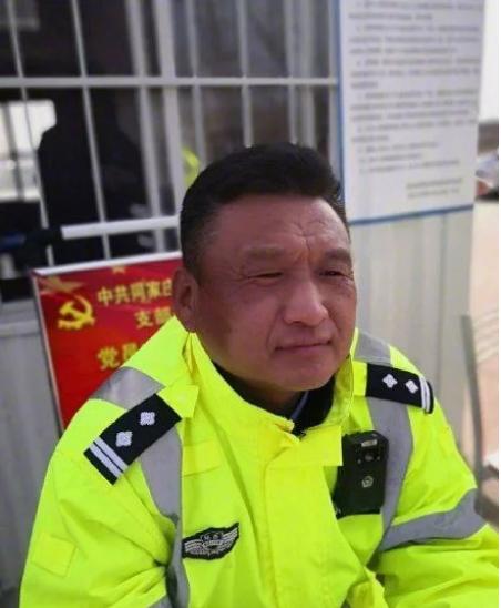 """防疫期间,警惕在阳春三月晒成""""口罩脸""""!"""